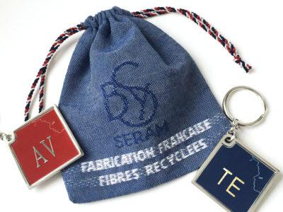 pochons made in France, tissu et cordon, fibres recyclées, porte-clés personnalisables, patch textile découpé et gravé au laser