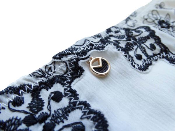 métal et ruban gros grain, médaille scintillante