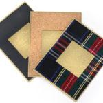 plaques décoratives adhésives, aluminium doré embossé, similicuir, bois, tweed, liège